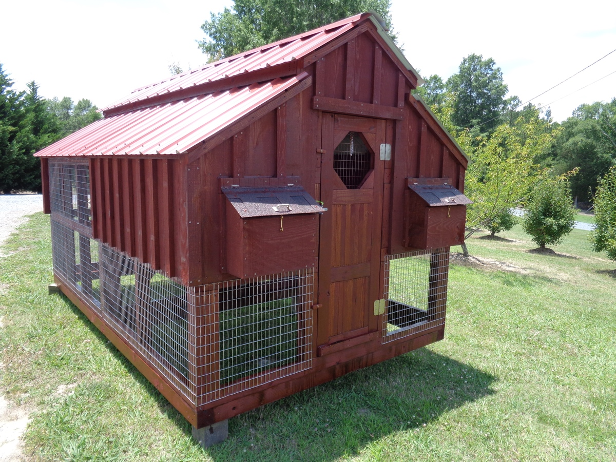 Chicken coops chicken pens for Chicken coop kits for 12 chickens